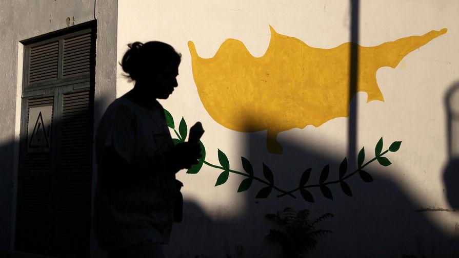 Кипр с 10 мая примет без ограничений туристов, вакцинированных от COVID-19
