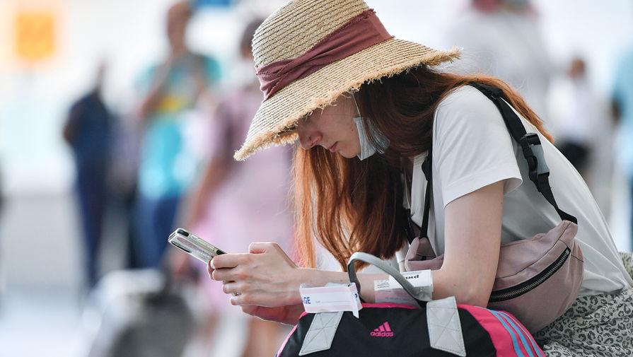 'Ъ': российских туристов ждут трудности при возвращении на родину транзитом