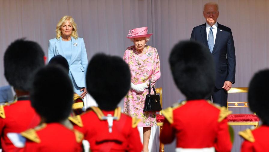 Байден сравнил Елизавету II со своей матерью