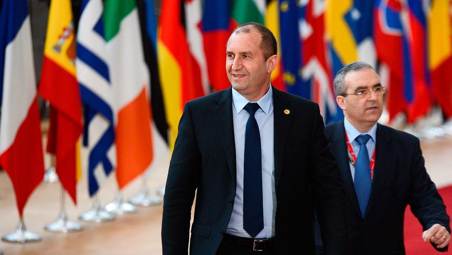 Президент Болгарии распускает парламент спустя месяц после выборов
