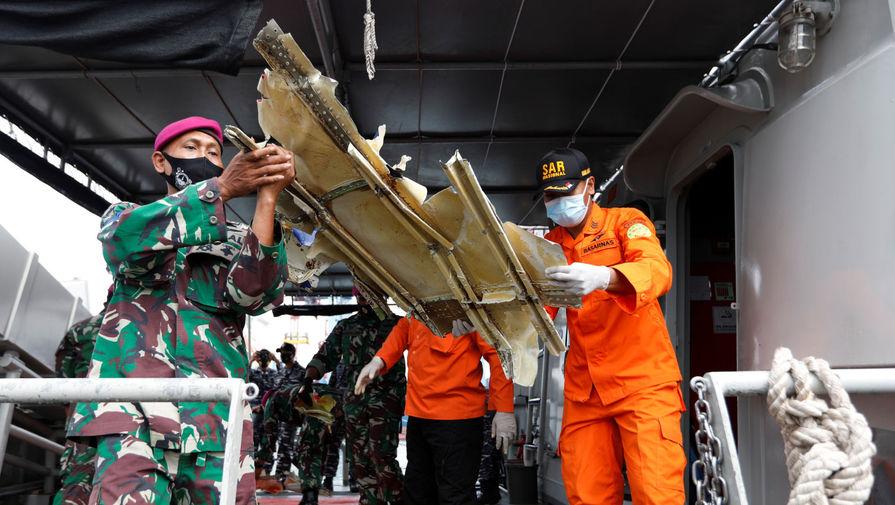 В Индонезии нашли речевой самописец разбившегося в январе Boeing