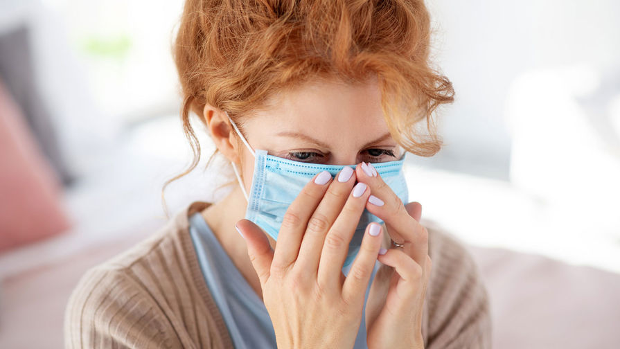 Роспотребнадзор рассказал об использовании масок в жару