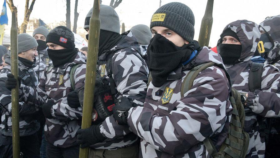 Украинские радикалы устроили акцию у консульства России в Одессе