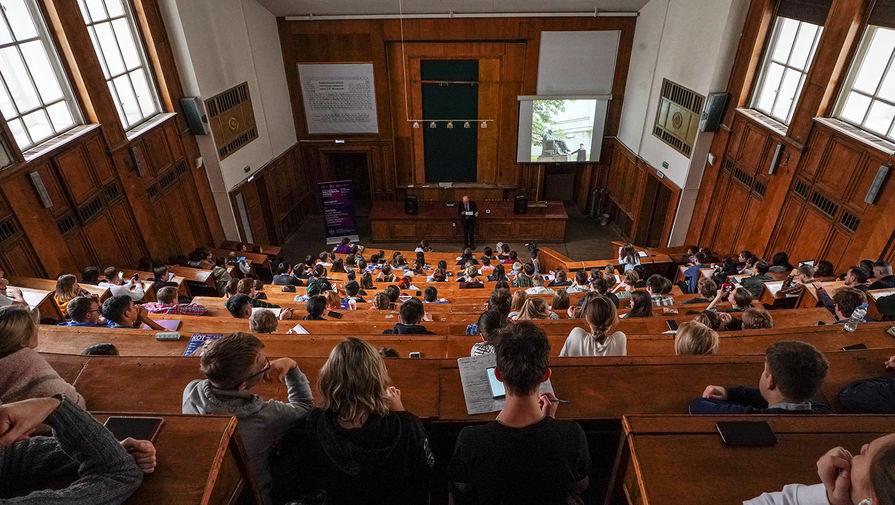 Студентам еще из шести стран разрешили вернуться в Россию