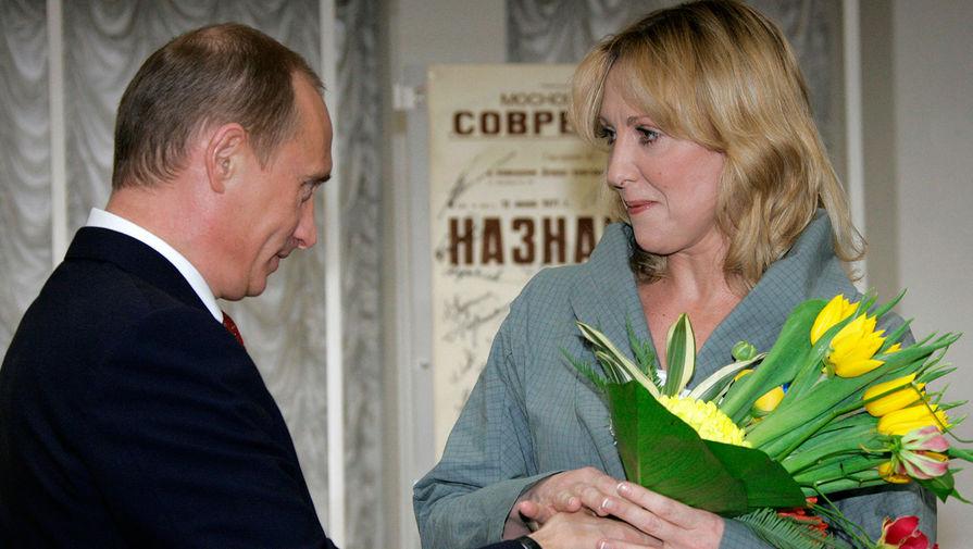 Путин поздравил с юбилеем Елену Яковлеву