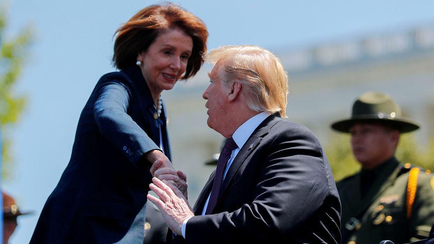 Пелоси решила остаться в политике после победы Трампа в 2016 году