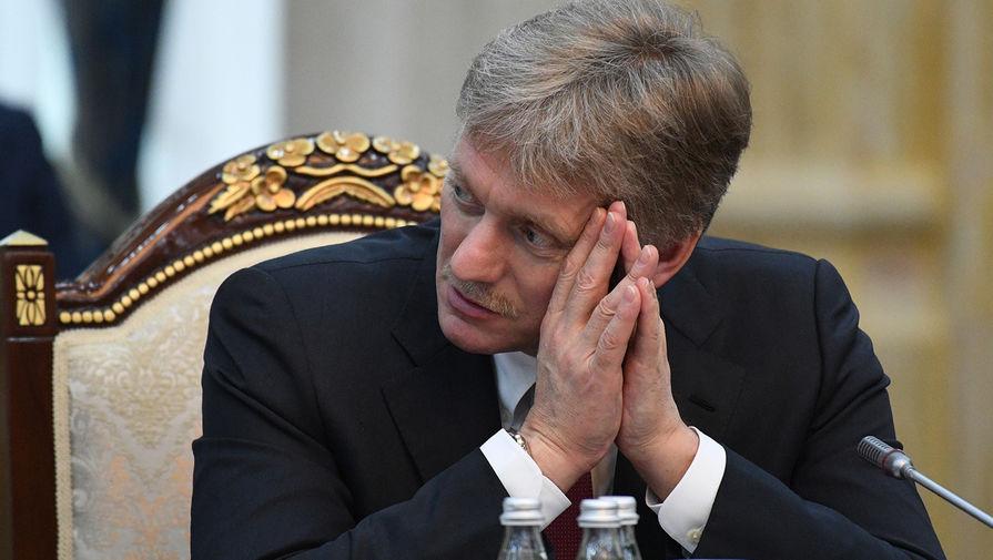 Песков заявил, что Россия будет защищать интересы русскоговорящих в Донбассе