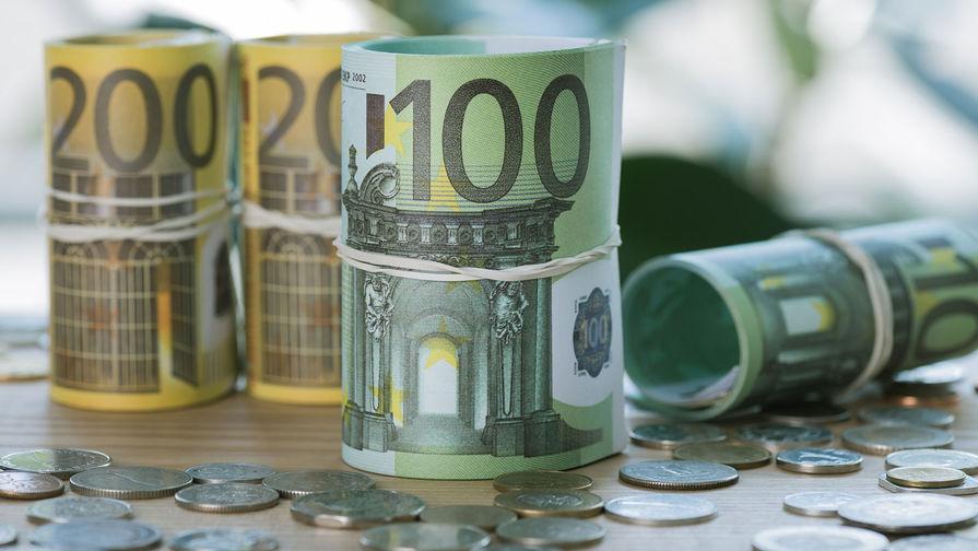 Курс евро опустился ниже 87 рублей впервые с 17 марта 2021 года