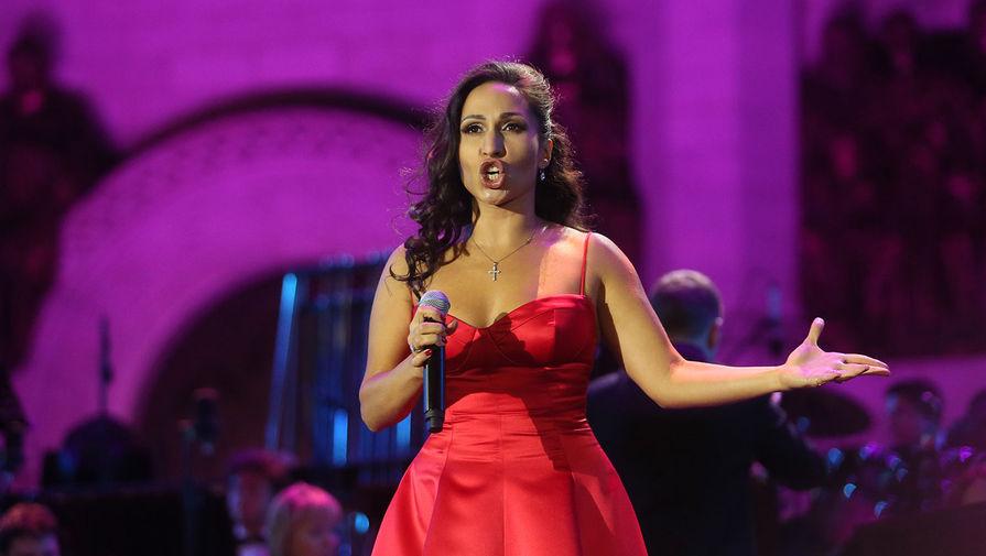 У российской оперной певицы украли награду Ватикана