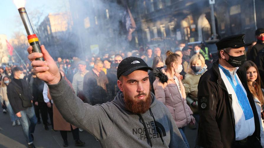 Участники марша националистов во Львове собрались в Москву