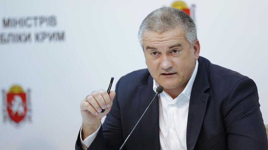 Глава Крыма поручил провести проверку после нецензурных слов министра культуры