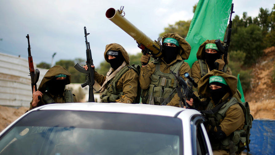 ХАМАС атаковал израильский аэропорт и газовую платформу