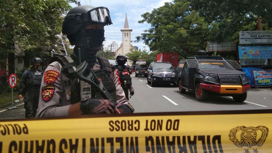 Число раненых при взрыве в церкви в Индонезии выросло до 20