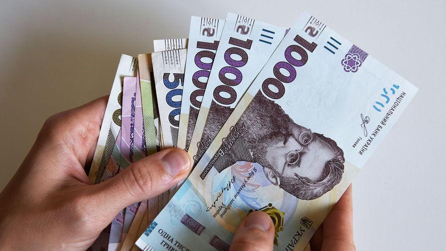 На Украине решили обложить жителей Крыма налогами