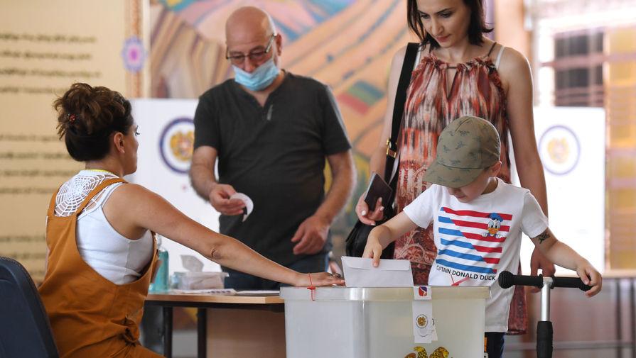 Партия Пашиняна лидирует с 61,7% по итогам подсчета с 8,4% участков