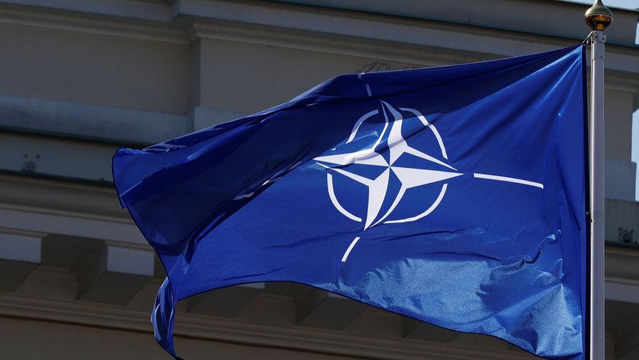 В НАТО намерены нарастить коммерческую и военную активность в Арктике