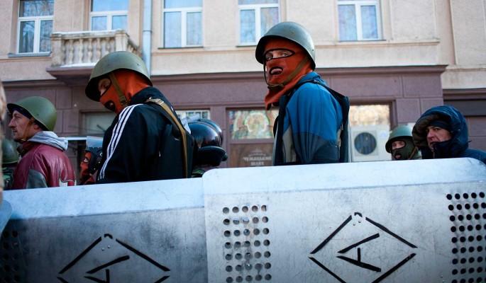 Украину ждет очень жаркая весна с массой протестов – политолог Годный