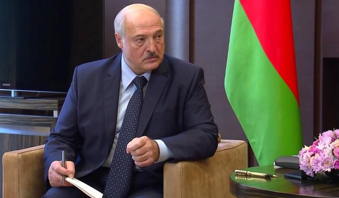 'Нужен постоянный внешний враг': эксперт Карбалевич о политике Лукашенко