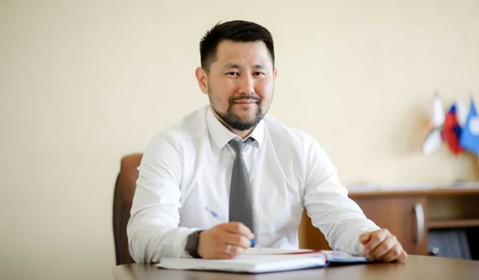 Кандидат от 'ЕР' Евгений Григорьев победил на досрочных выборах главы Якутска