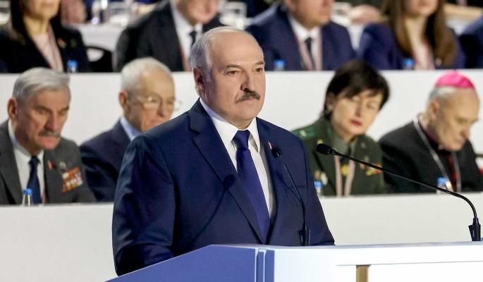 Маски сорваны: Лукашенко назвал себя авторитарным руководителем