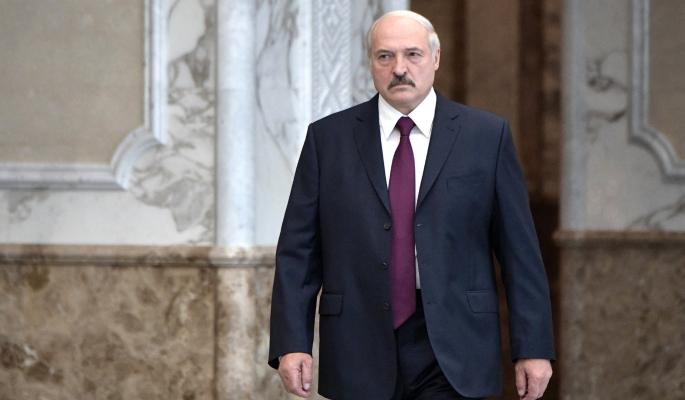 Лукашенко входит в весну 2021 года 'босым и голым' – политолог Суздальцев