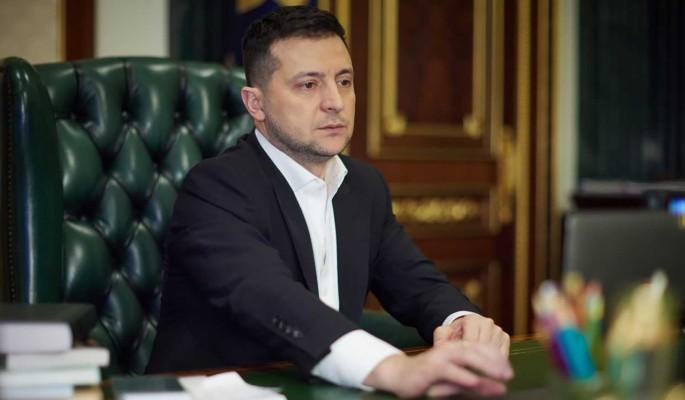 Зеленский ответил Порошенко на критику вакцины от COVID-19