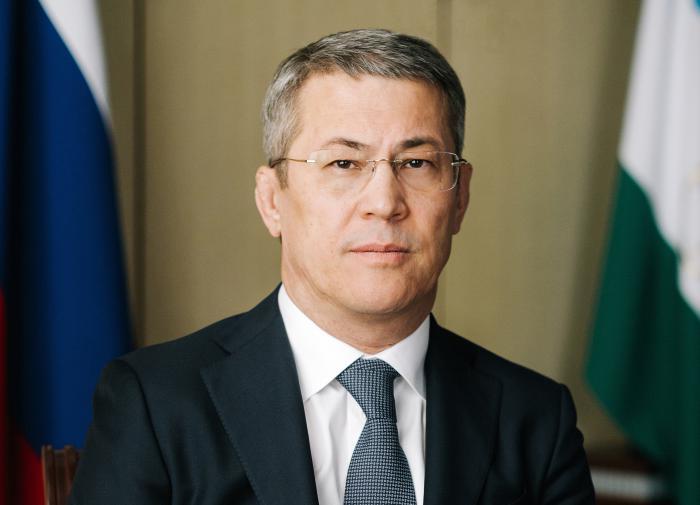 Глава Башкирии — чиновникам: либо наденьте 5 масок, либо вакцинируйтесь