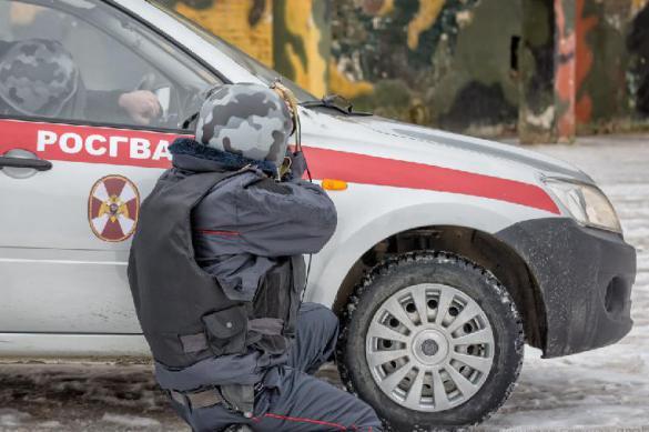 В Мытищах спецназ штурмует забаррикадировавшегося стрелка-пенсионера