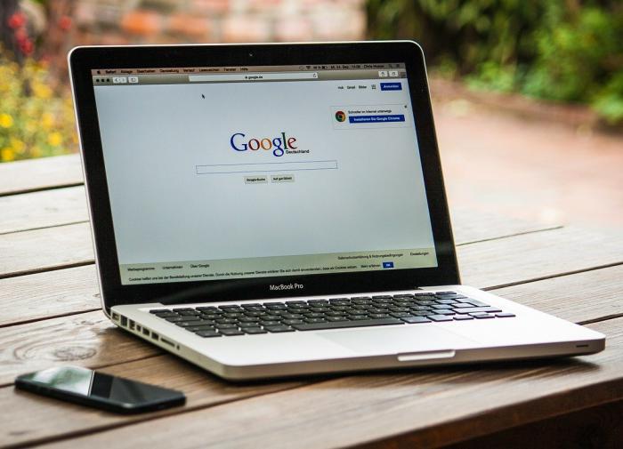 Google обвинили в слежке за пользователями Android-смартфонов