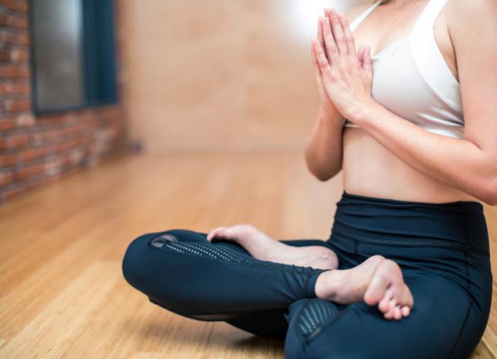 Йога поможет справиться с мигренью
