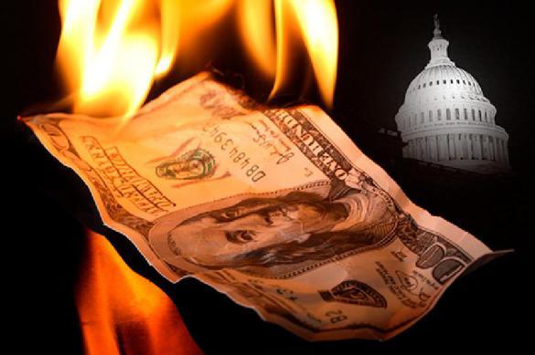 Эксперт поддержал стремление уйти от использования доллара