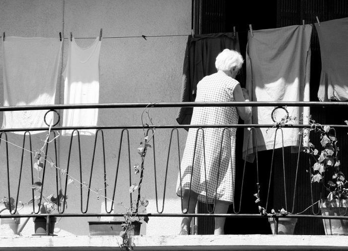 Стирка и уборка стимулируют работу мозга пожилых людей