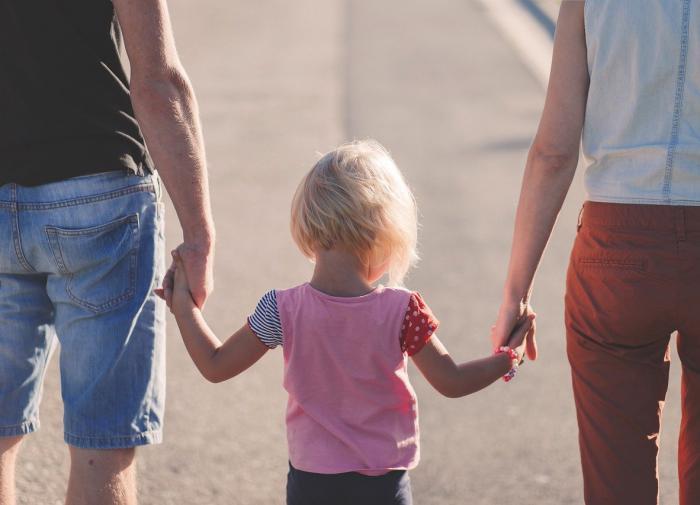 'Как сапожник': что делать, если ребёнок ругается матом?