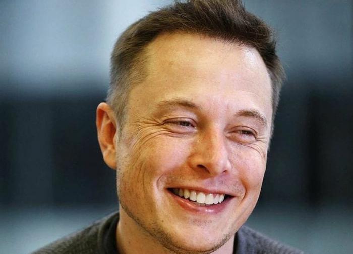 Илон Маск научил макаку управлять компьютером силой мысли