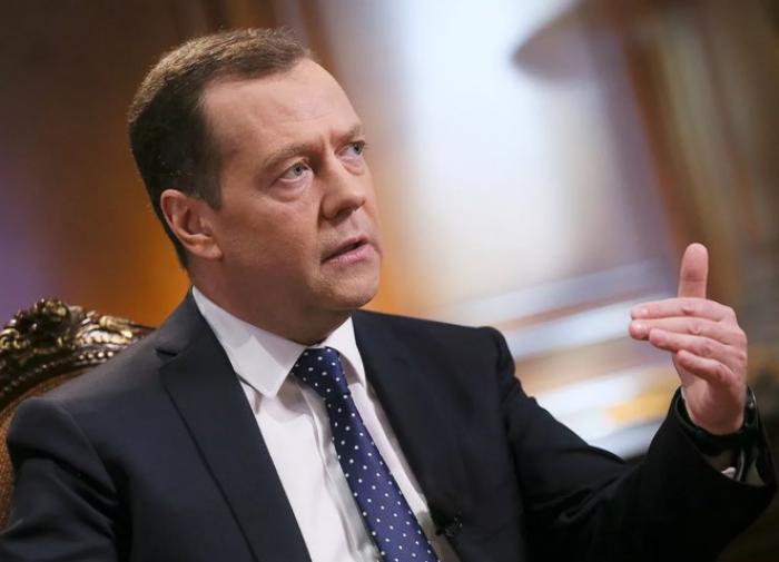 Медведев заявил, что 'Единая Россия' будет вечной