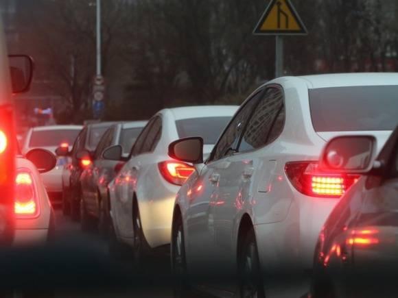 Москвичей призвали пересесть на городской транспорт в вечерний час пик