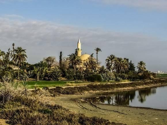 Власти Кипра назвали дату открытия границ для всех россиян