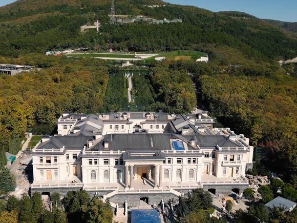 «Би-би-си»: Шамалов продал «дворец Путина» бизнесмену Пономаренко из-за несоответствия «имущественного и социального статуса»