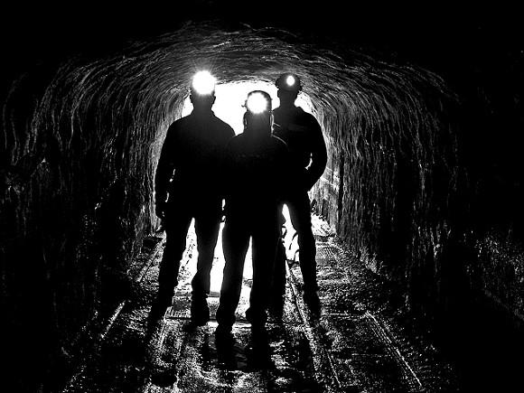 Более 20 горнорабочих оказались в смертельной опасности из-за затопления шахты в Китае