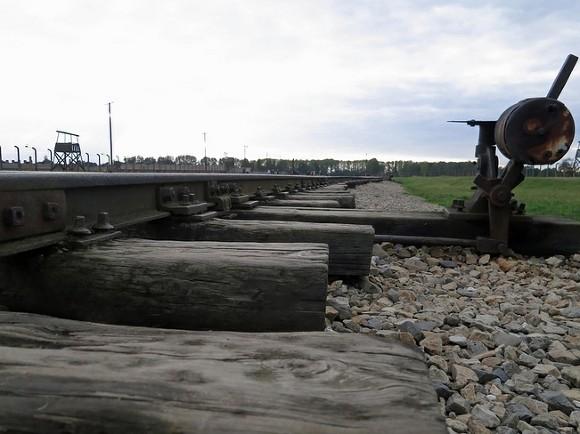 ЧП в Ленобласти: железнодорожную станцию в Выборге залило мазутом