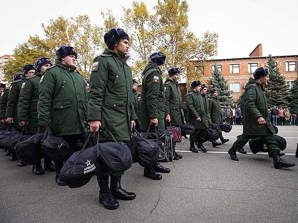 «Как только не издевались»: мать срочника из Воронежа рассказала о смерти сына в военной части Майкопа