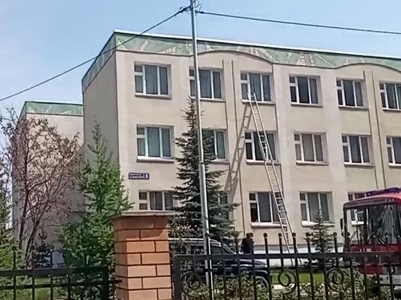Мэр Казани назвал массовое убийство в школе террористическим актом
