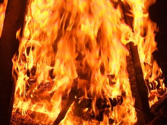 В Ленобласти завели дело после гибели детей в горящей квартире