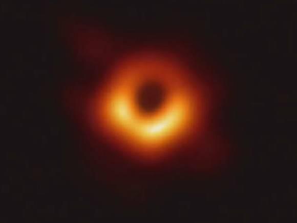 Немецкие ученые продемонстрировали, как быстро черная дыра разрывает звезду