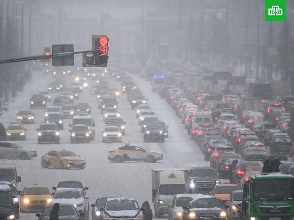 Пробки в Москве вечером в среду достигнут 8 баллов