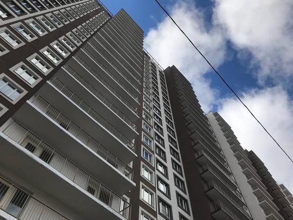 В Москве маленький ребенок выпал с шестого этажа