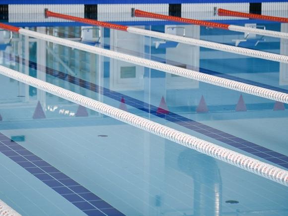 СК начал проверку после травмирования юного спортсмена в московском бассейне