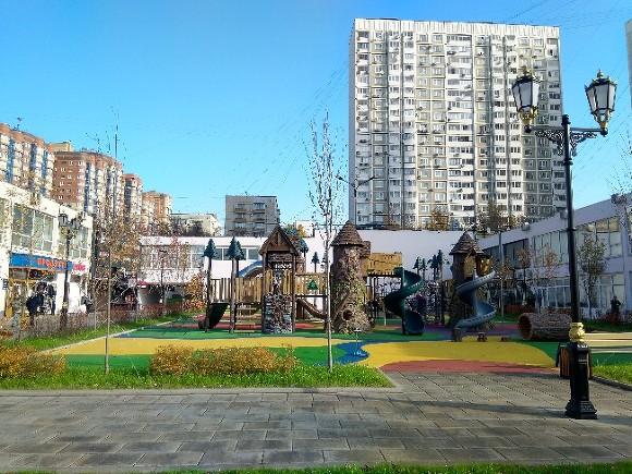 До конца апреля в Москве отремонтируют 8,5 тыс. детских и спортивных площадок
