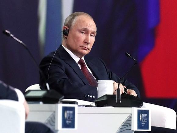 «Побороть бедность, помочь семьям с детьми»: Путин раздал предвыборные обещания на съезде правящей партии