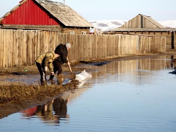 В России начался весенний паводок, затоплены сотни дворов